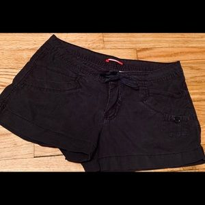 Unionbay size 9 loose and trendy 5 pocket shorts